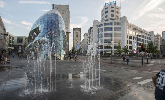 Eindhoven_Lichttoren-blob