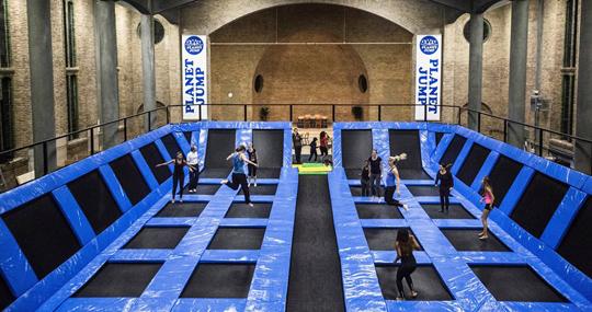 Den-haag_planet-jump-trampoline
