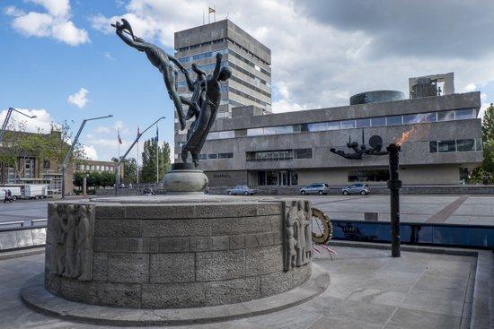 Eindhoven_Bevrijdingsmonument_stadhuisplein