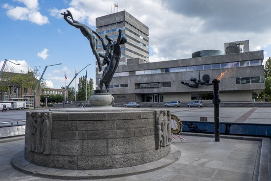 Eindhoven_Bevrijdingsmonument_02.jpg