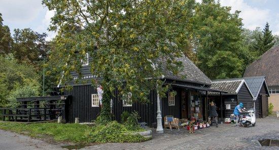 Eindhoven_Genneper_watermolen_03.jpg