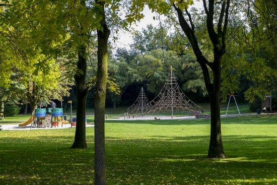 Eindhoven_Henri_Dunant_Park_02.jpg