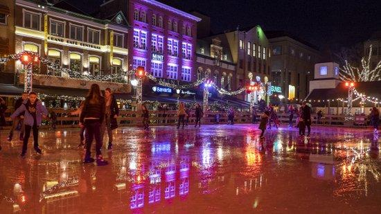Eindhoven_IJsbaan_04.jpg