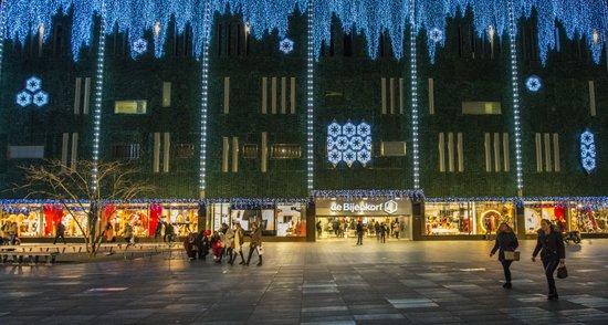 Eindhoven_Kerstverlichting_kerst-bijenkorf