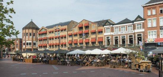 Eindhoven_Markt_terras