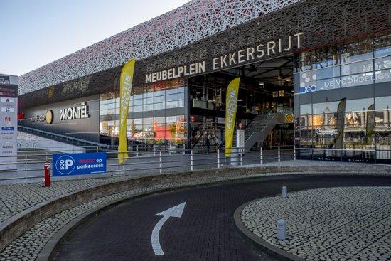 Eindhoven_Meubelplein_Ekkersrijt_01.jpg