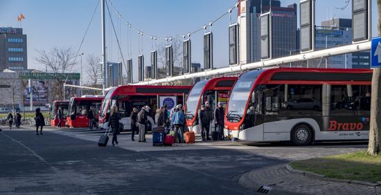 Eindhoven_Neckerspoel_bussen