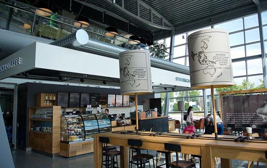 Eindhoven_Starbucks-eindhoven-airport