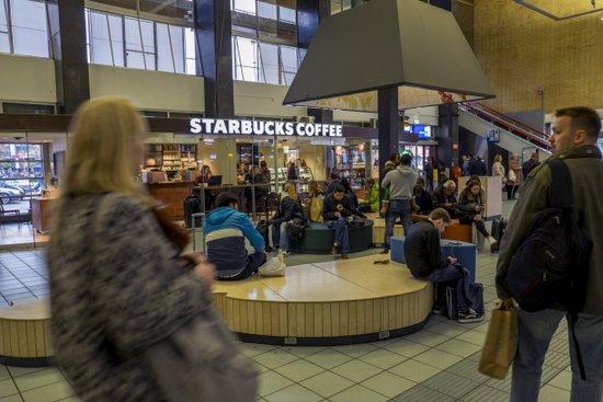 Eindhoven_Station_16.jpg