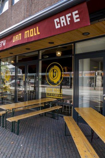 Eindhoven_Van_Moll_cafe.jpg