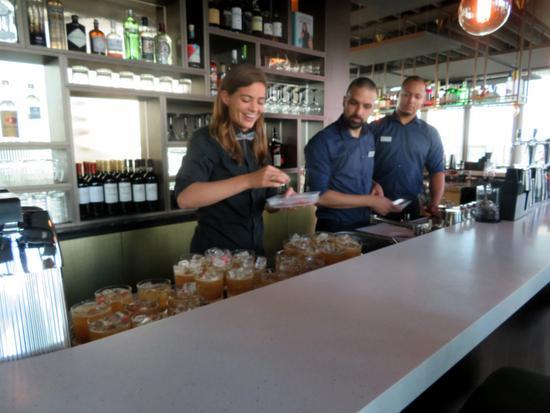 Eindhoven_Vane_skybar-cocktail