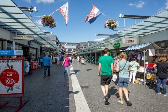 Eindhoven_Winkelcentrum_Woensel