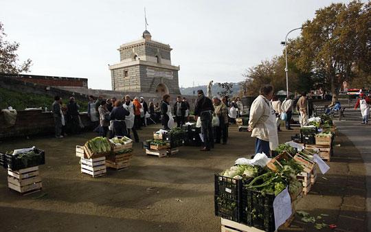 Rome_mercato-ponte-milvio-markt