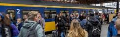 Twee treinstations: Centraal en Strijp-S