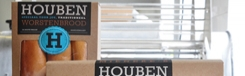 Genieten van de worstenbroodjes van Houben